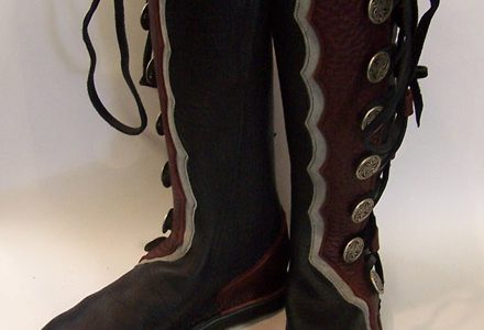 8 Button Boot Scallop